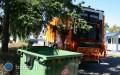 Przedsiębiorcy podpisują umowy na wywóz śmieci